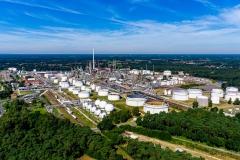 Blick auf das Oelwerk BP in Lingen aus suedlicher Richtung